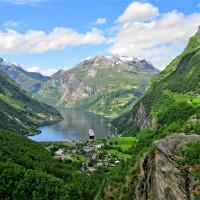Geiranger - klejnot wśród norweskich fiordów - najpiękniejsze trasy